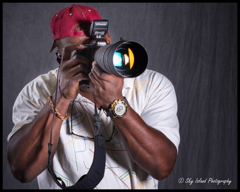 John Heyward of Sky Island Photography demonstrating the use of canon 5d mark III in the studio with Sigma 120-300mm f2.8 lens and Profoto wireless controller.